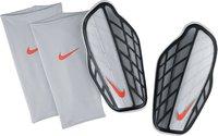 Nike Attack Premium Schienbeischoner weiß/schwarz/grau