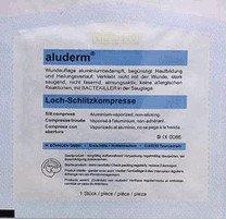 SÖHNGEN Aluderm Loch/Schlitzkompresse 6 x 7 cm CH 8-30 (1 Stk.)
